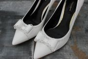 Dolce   Gabbana White Leather Bow Pumps 7.5 c161efe7cb133