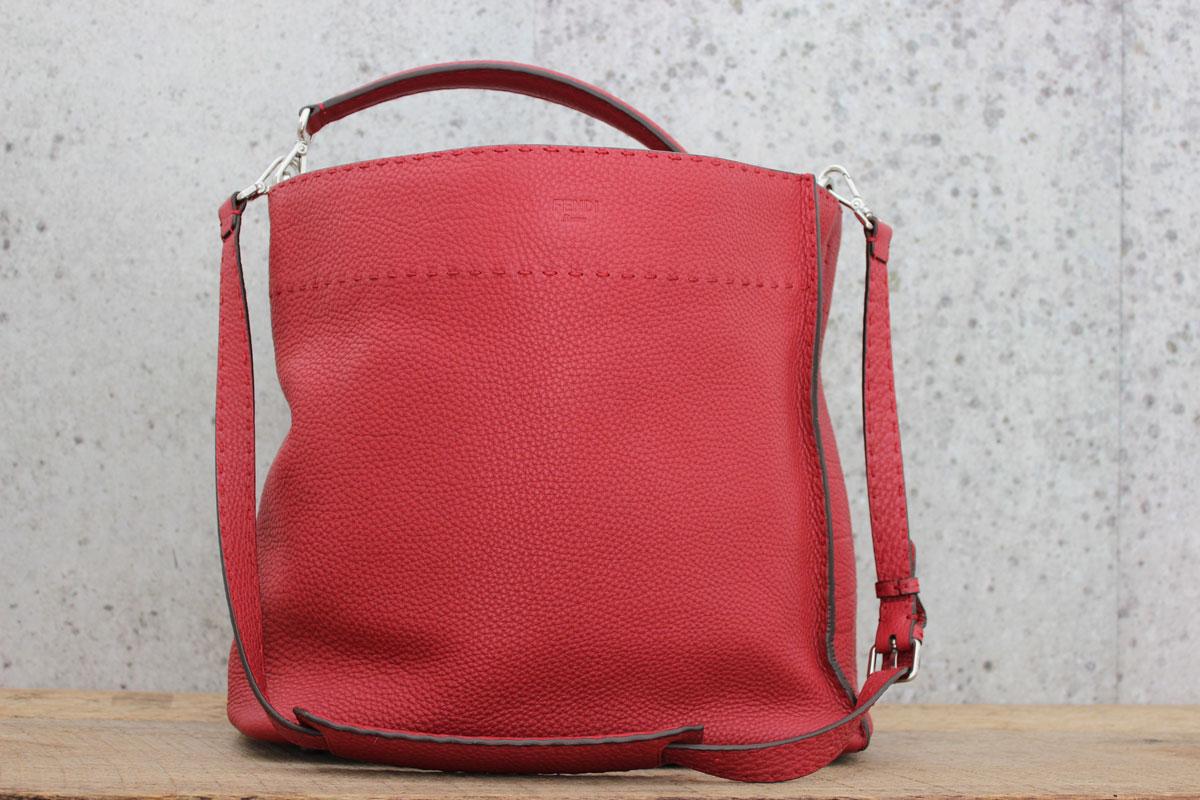 586b36d76e Fendi Boxy Selleria ANNA Hobo Rosso (Red). Tap to expand
