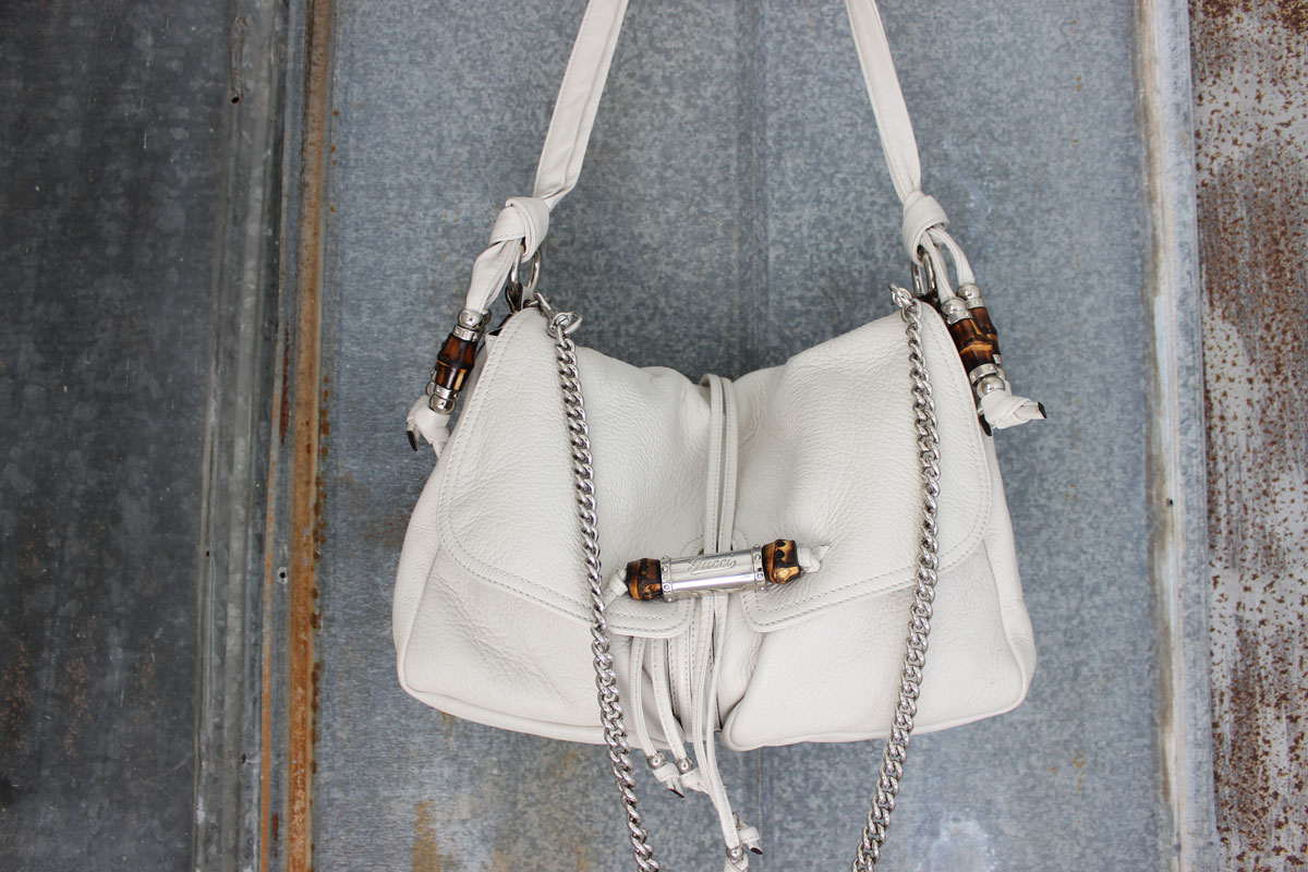 Gucci Jungle Chain Embellished Off White Leather Bag