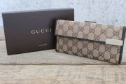 Gucci Beige Ebony DICE Continental Wallet