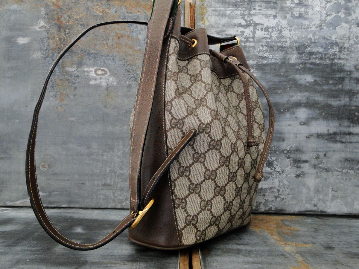 39606e444d2d Gucci Vintage Drawstring Bucket Bag Brown. Tap to expand