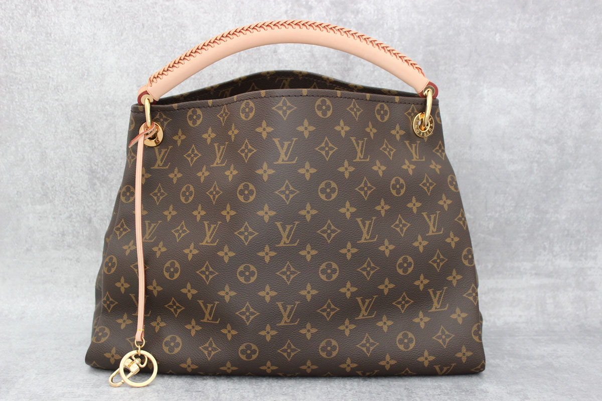 7cff183bd4c6 Louis Vuitton Monogram Canvas Artsy MM at Jill s Consignment