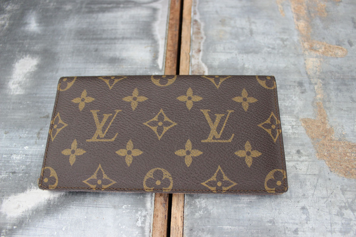 be7a3a6f41d1 Louis Vuitton Vintage Checkbook Cover. Tap to expand