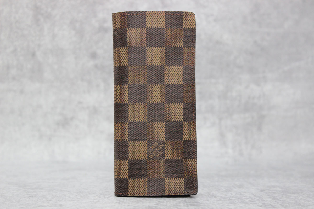 sports shoes be4f4 f0c3d Louis Vuitton Damier Ebene Simple Eyelgass Case at Jill's Consignment