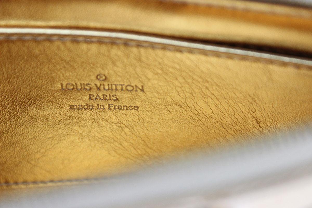 Louis vuitton gold mirror miroir cosmetic case at jill 39 s for Miroir 9 cases