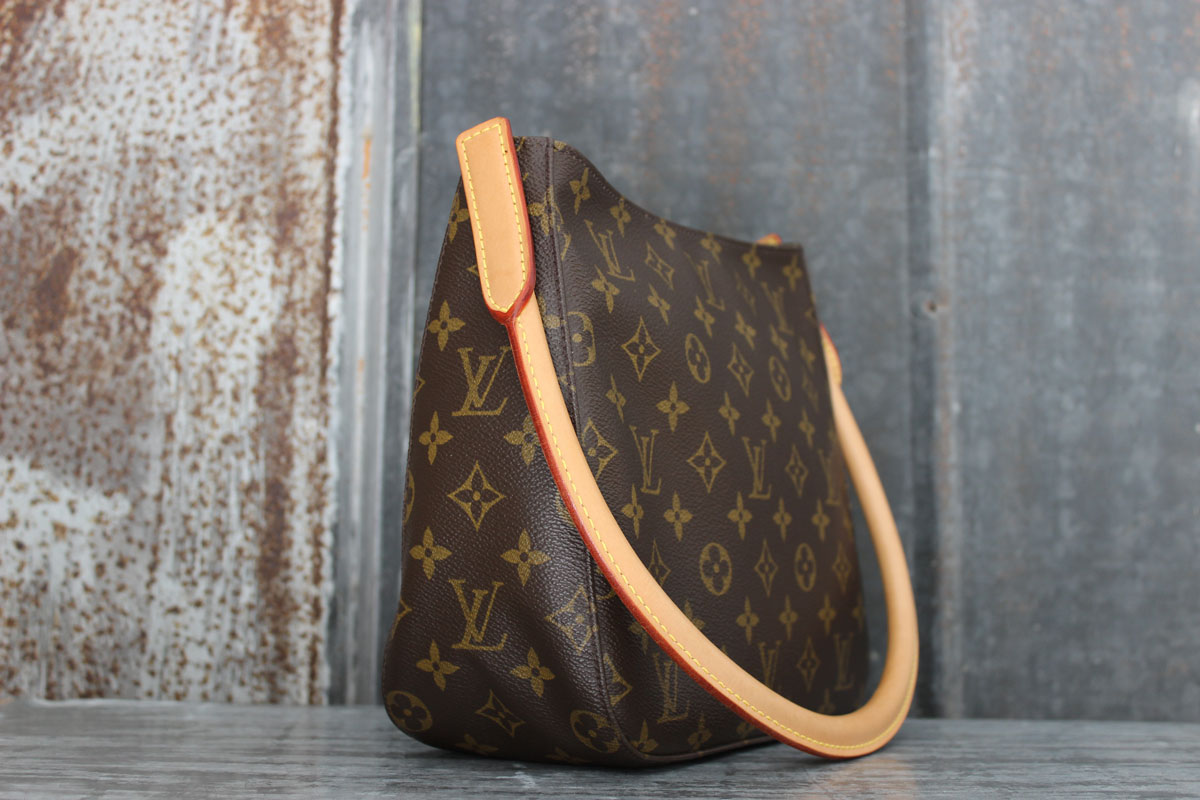 85539d4a1430f Louis Vuitton Monogram Canvas LOOPING MM Shoulder Bag. Tap to expand