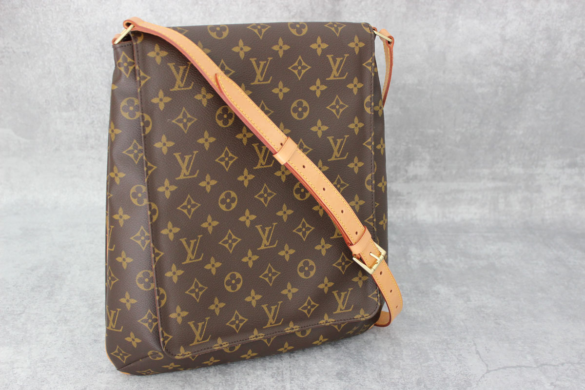 louis vuitton monogram musette salsa gm at jill 39 s consignment. Black Bedroom Furniture Sets. Home Design Ideas