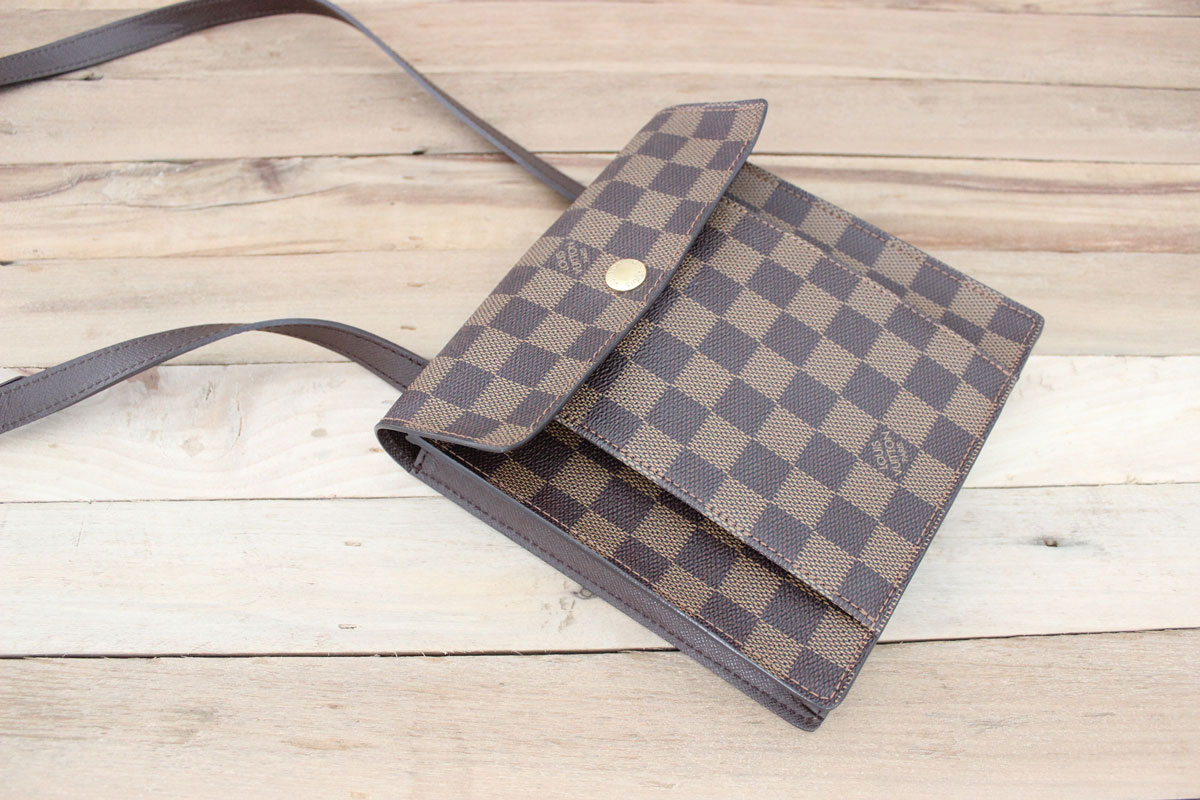 4b1d2af19e77 Louis Vuitton Damier Ebene PIMLICO Crossbody Bag. Tap to expand