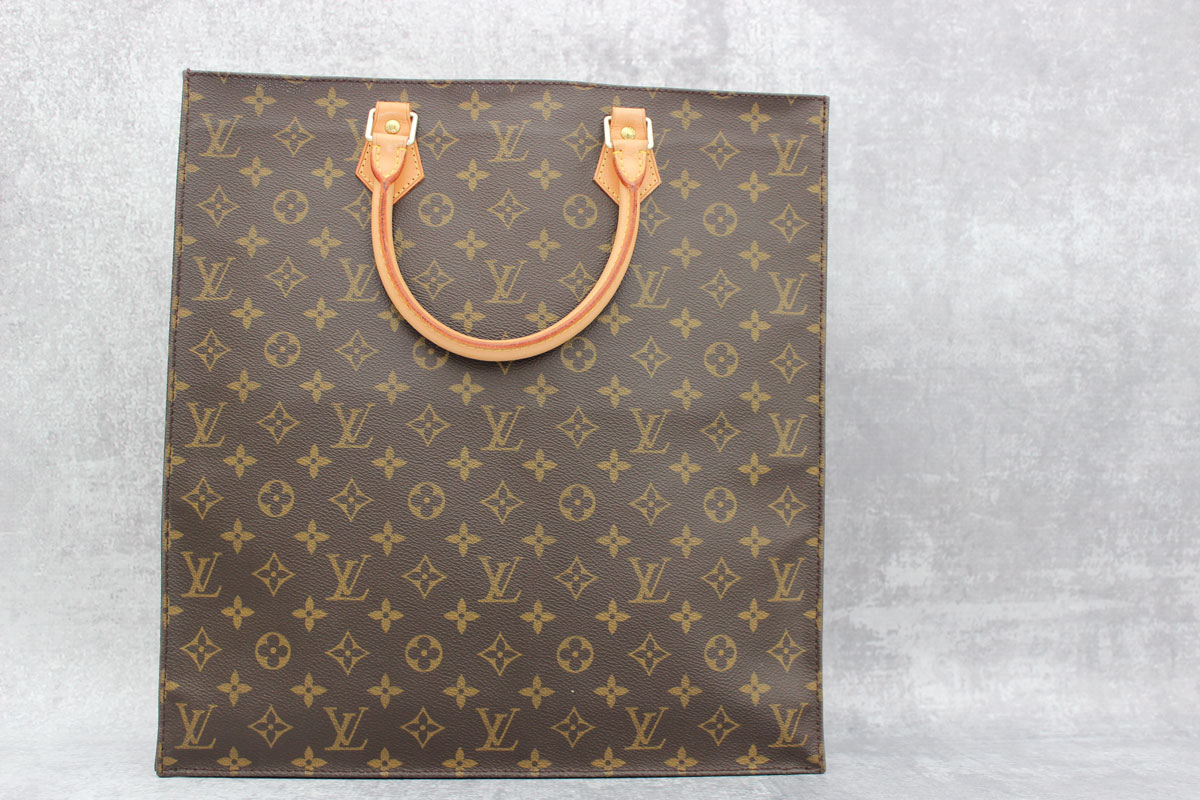 Louis Vuitton Monogram Canvas Sac Plat. Tap to expand 178b51b6d7af7