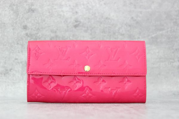 Louis Vuitton Vernis Sarah Wallet Rose Pop