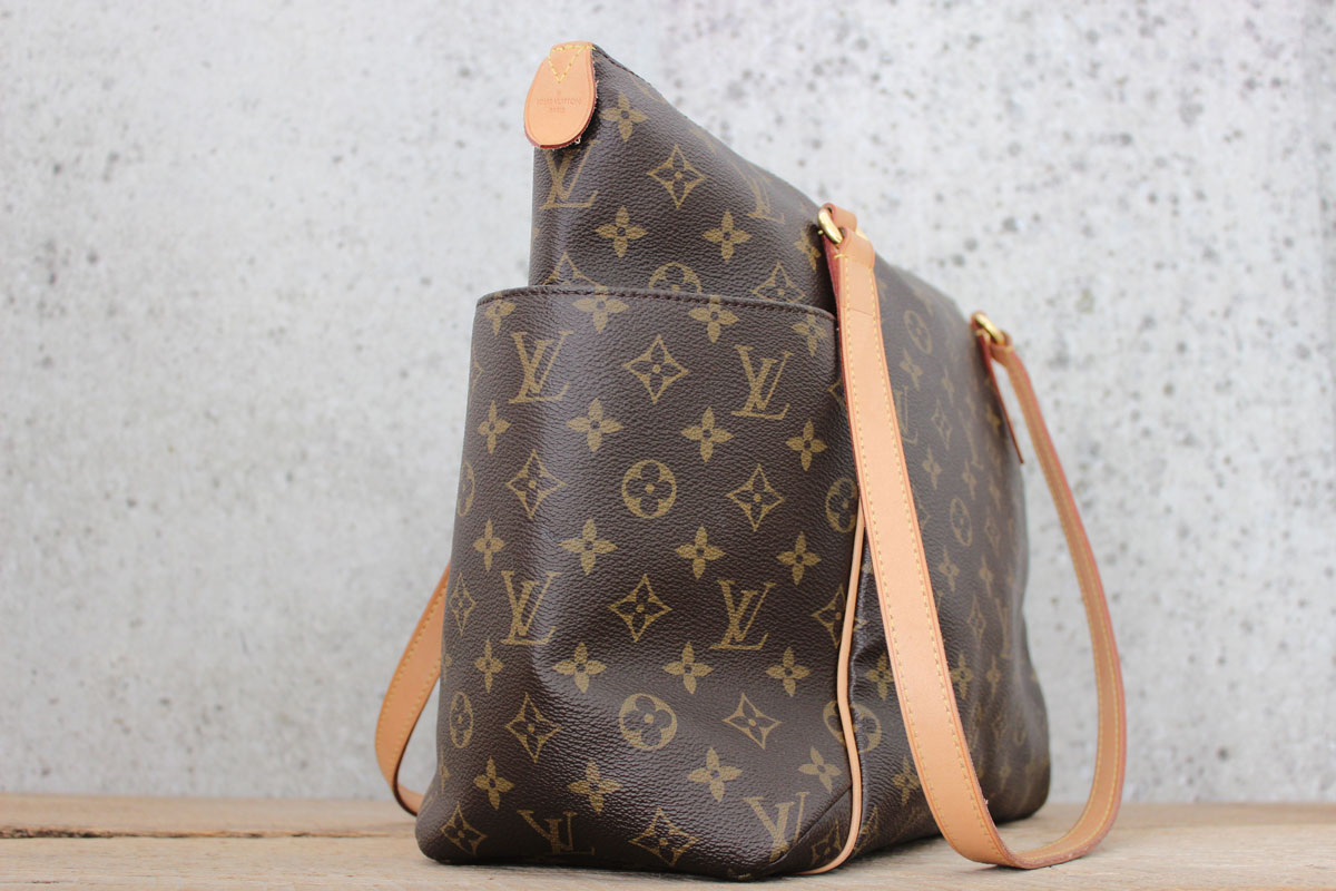 59e023771d51 Louis Vuitton Totally MM. Tap to expand