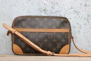 Louis Vuitton TROCADERO 27 Shoulder Crossbody Bag
