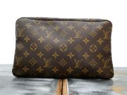 Louis Vuitton Trousse Toilette 28 GM Toiletry Kit