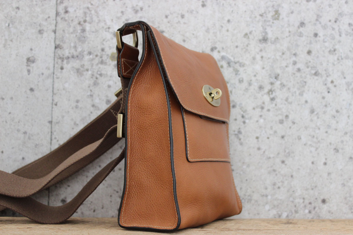 ... shopping mulberry natural oak antony messenger bag. hover to zoom 19d08  bf4dd 76198dc313eb3